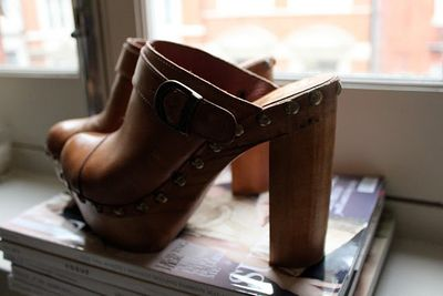 5-inch-and-up-blog-jeffrey-cambell-tan-clogs.JPG