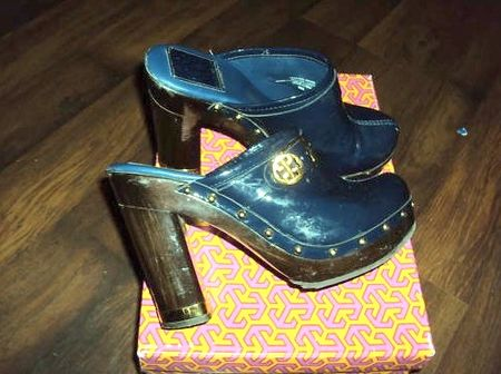 Tory burch navy 1