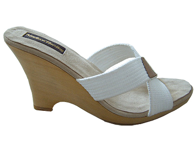 Wood-wedge-white