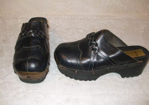 Bata vint blk mens braid clogs w studs1