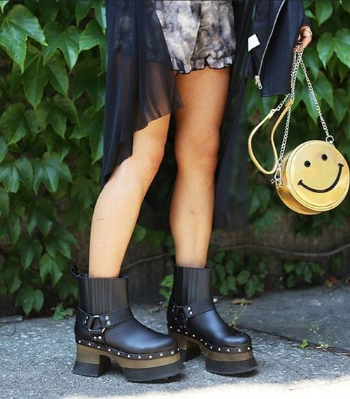 Tuk platform boots