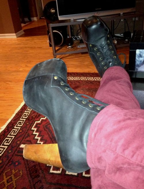 Litas on feet