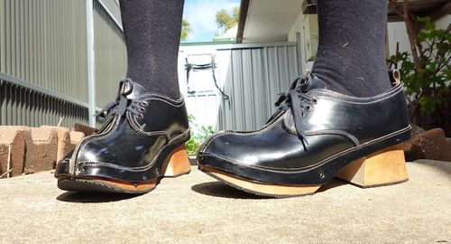 Feira de barcelos clog boots